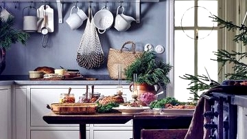 Festive decor of the nation cottage of stylist Anna Truelsen