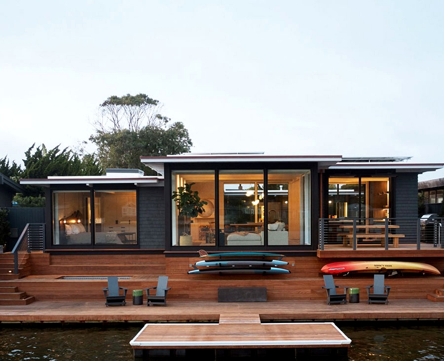 Renovated Nineteen Seventies dwelling proper on the Bay in San Francisco