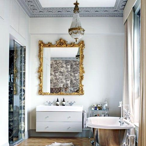 Bogs With Metals & Gilt Particulars