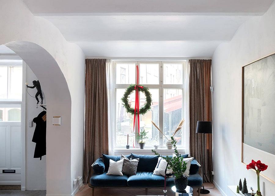Elegant Scandinavian floor ground house with gothic bed room