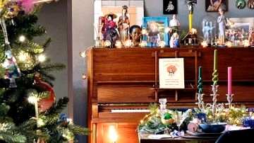 Movie star's Christmas: vibrant eclecticism in the home of singer Sophie Ellis Bextor