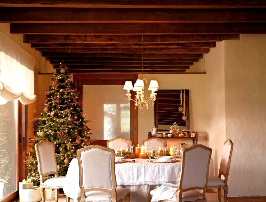 10 Greatest Christmas Eating Rooms