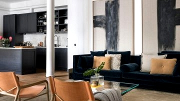 Nook condominium with open plan and industrial touches (107 sqm)