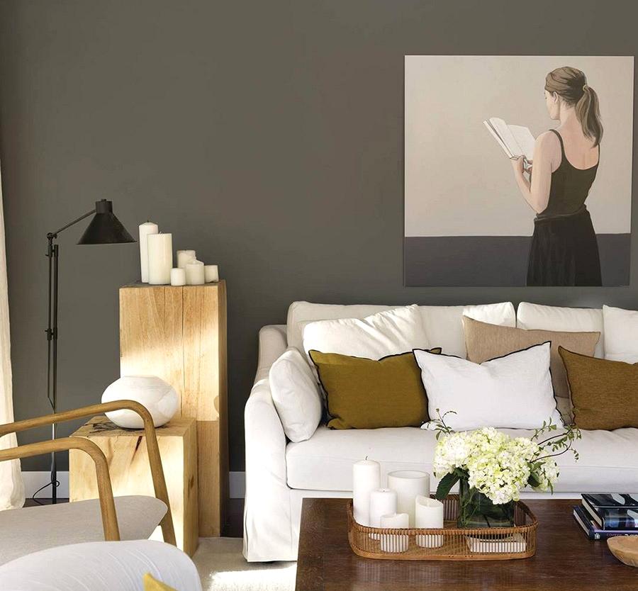 Vibrant and sunny residence of inside designer in Spain