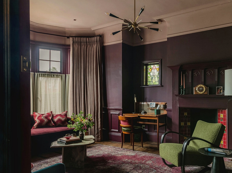 Moody scheme of surprising colours in fantastic Nineteenth-century residence in London