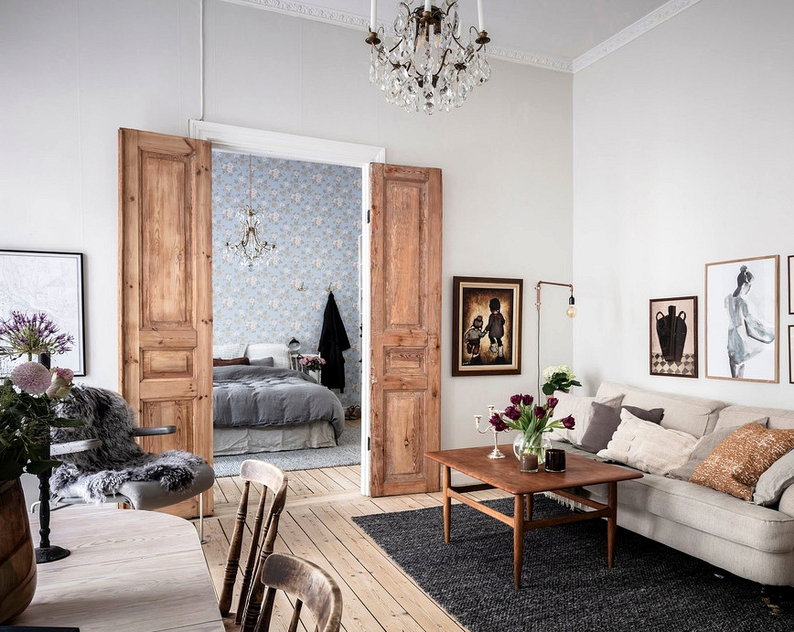Cozy condominium with rustic touches and soulful decor (54 sqm)