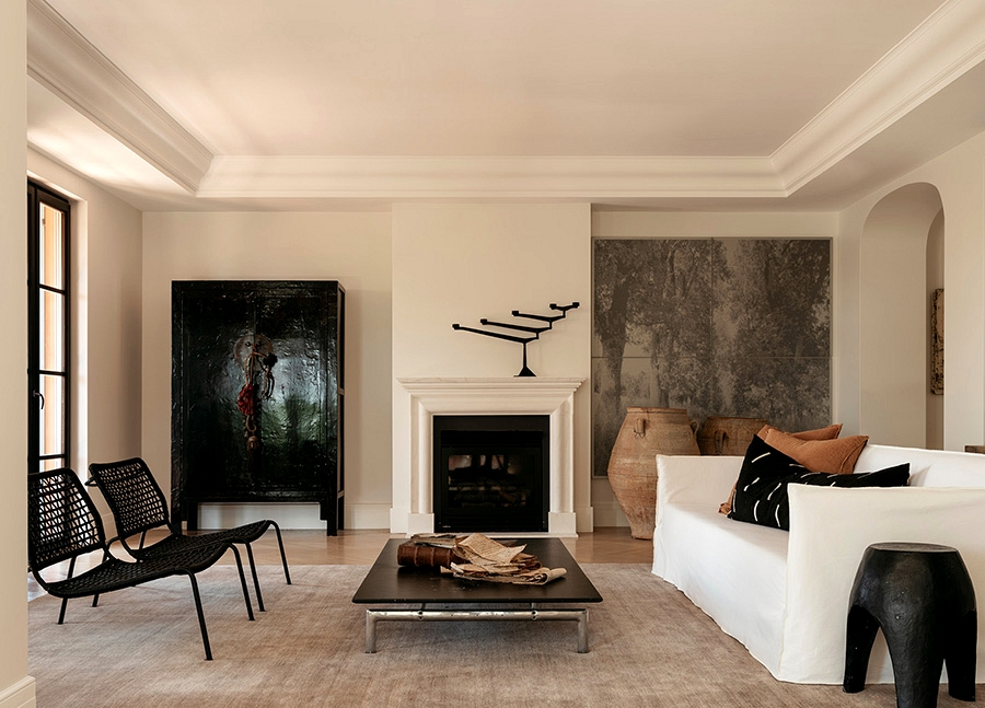Marble Island, muted colours and artwork items: stunning Sydney house