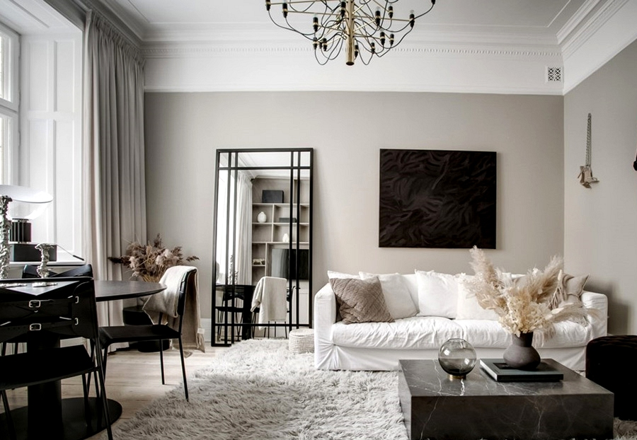 Fashionable furnishings and darkish accents in design of Swedish residence in historic home (51 sqm)