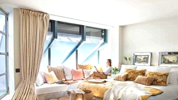 10 Fashionable And Trendy Bedrooms