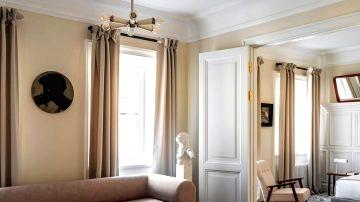Elegant condominium in St. Petersburg, impressed by Parisian interiors