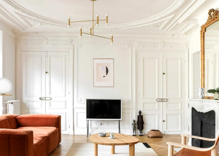 Vivid Parisian house in pastel tones and with Scandinavian touches