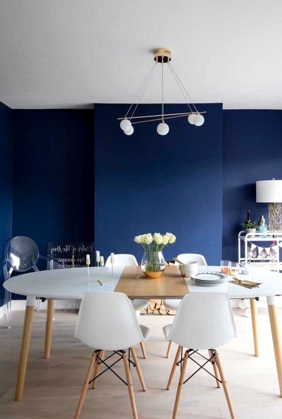Advantages Of Having An Oval Table In Your Dining Room