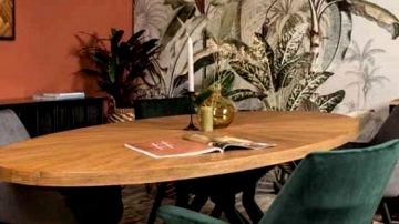 Benefits Of Having An Oval Desk In Your Eating Room