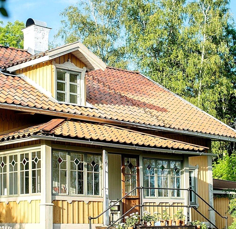 Beautiful farmhouse in a Swedish village
