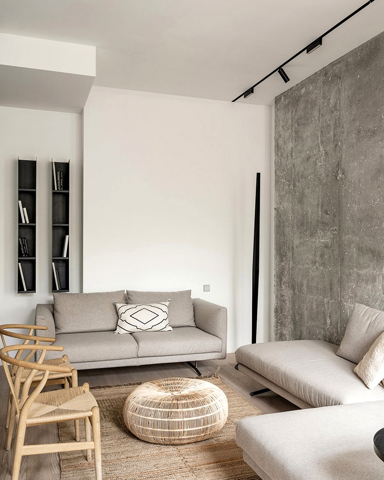 Concrete, black kitchen, minimalism: fashionable household residence in Moscow