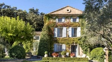 Journey to the guts of Provence: magnificent Sixteenth-century property in France