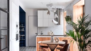 Trendy condo with blue accents in St. Petersburg (60 sqm)