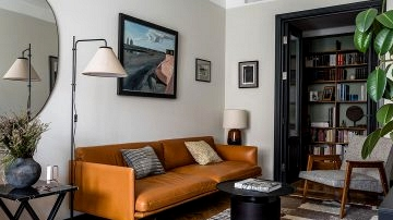 Classic and designer furnishings in design of decorator's house in Moscow