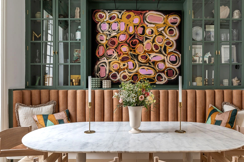 Every room like a unique story: colourful townhouse in London