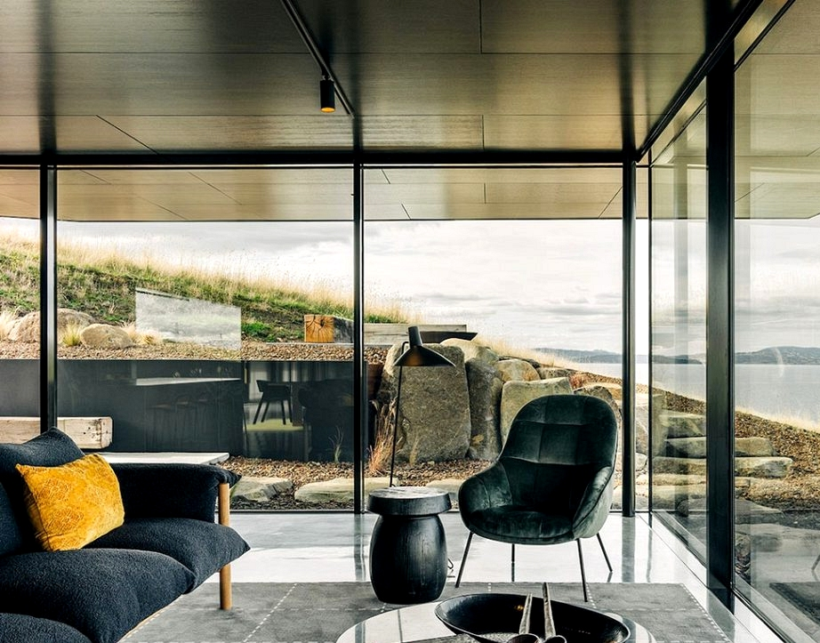 Secluded dwelling by the ocean on the island of Tasmania