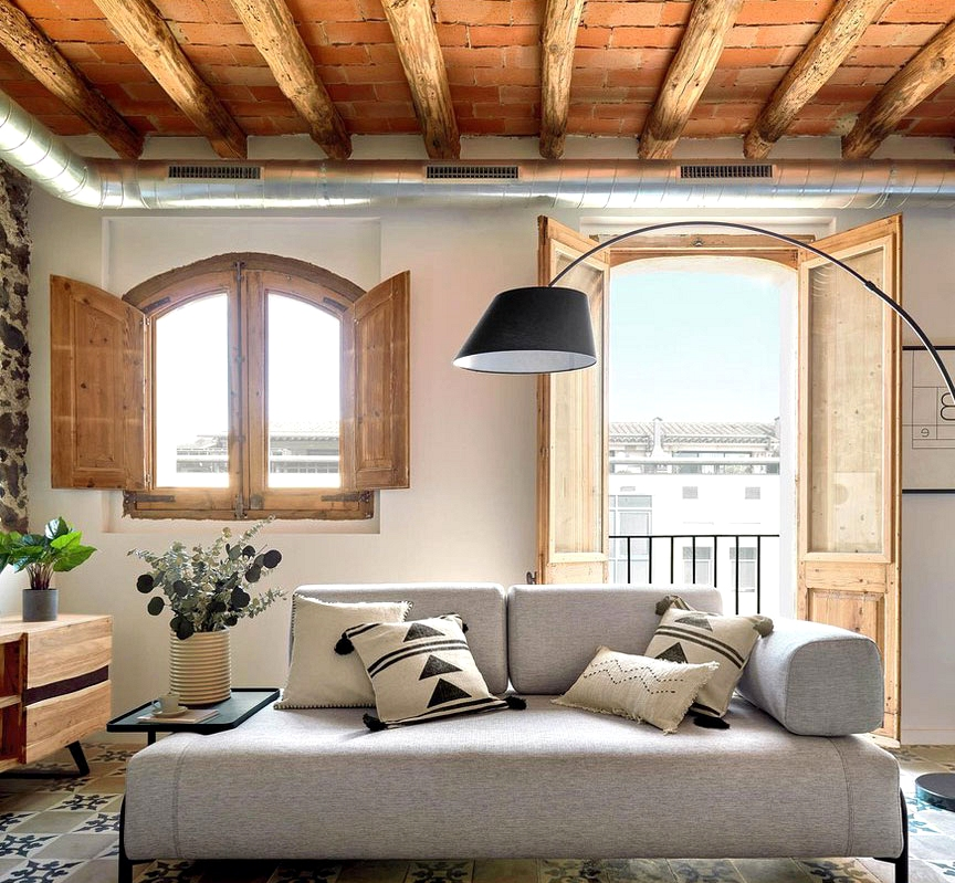 Up to date studio in outdated home within the coronary heart of Girona