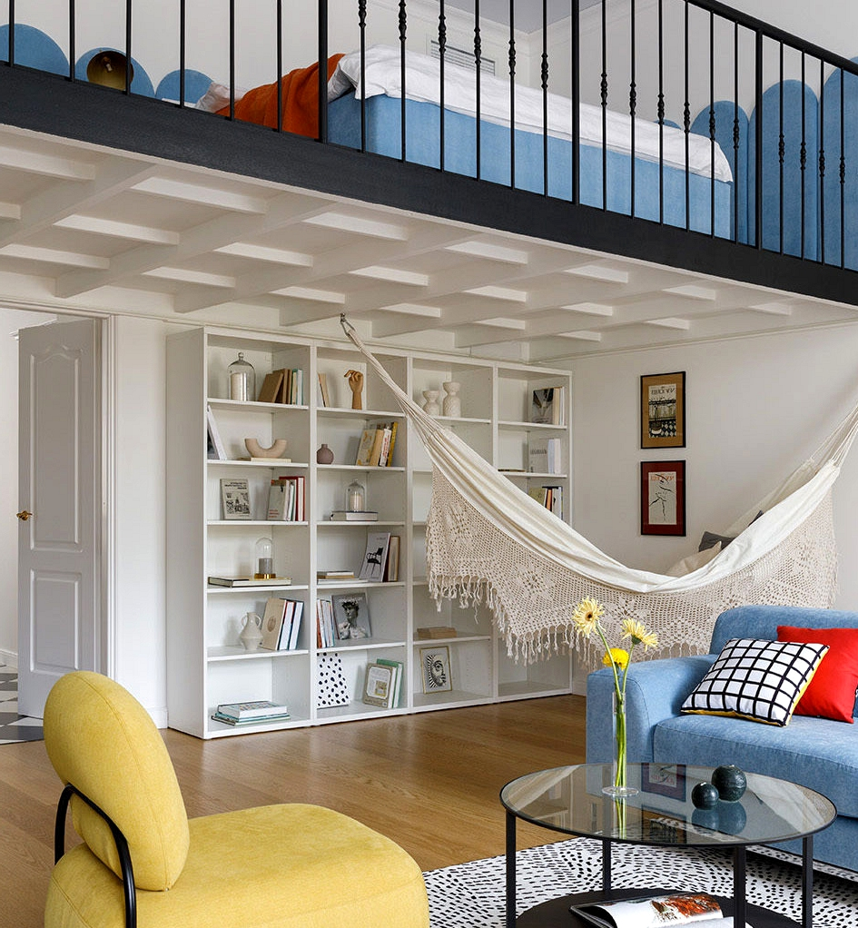 Rental condominium with mezzanine, hammock and colourful accents in St. Petersburg (76 sqm)