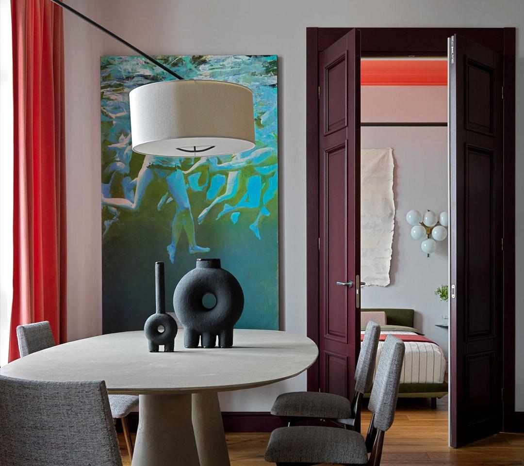 Vivid colours and fascinating options: designer's daring condominium in Moscow