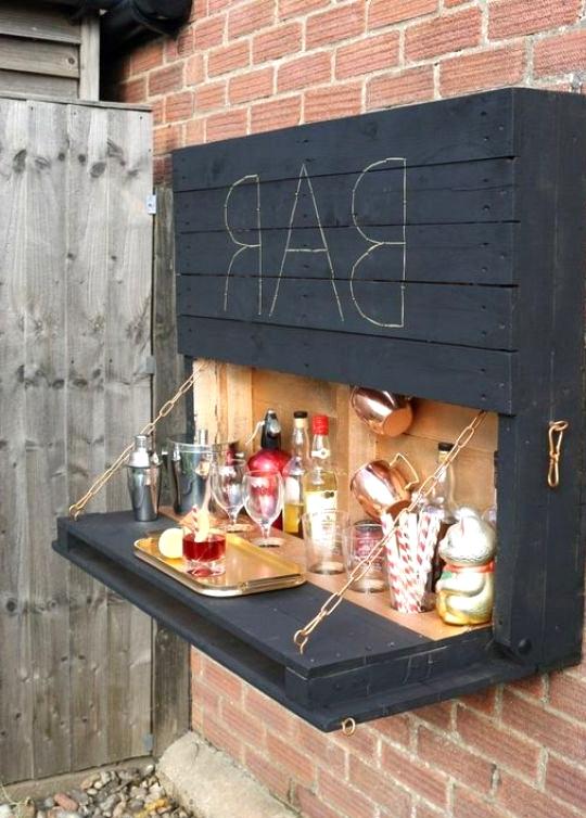 DIY Outdoor Wall Mount Bar