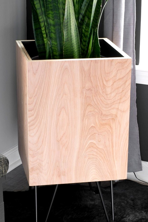 Modern DIY plywood planter idea for your home.