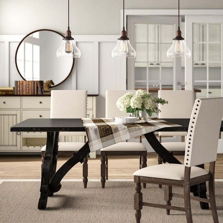 Briarberry Dining Table