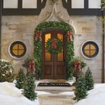 Traditional Outdoor Christmas Design Idea