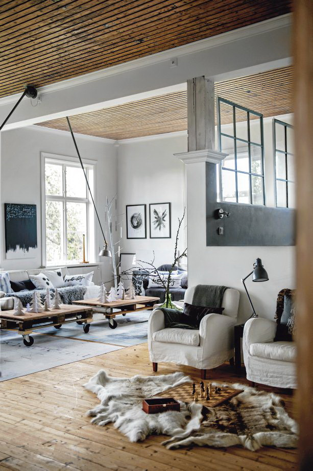 Decorating with Wooden Pallets