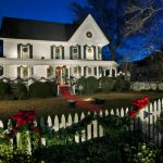 Traditional Exterior Christmas Design Ideas